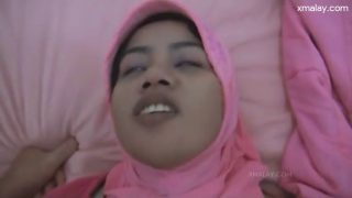 Hot malay with tudung sex with her bf with big cock